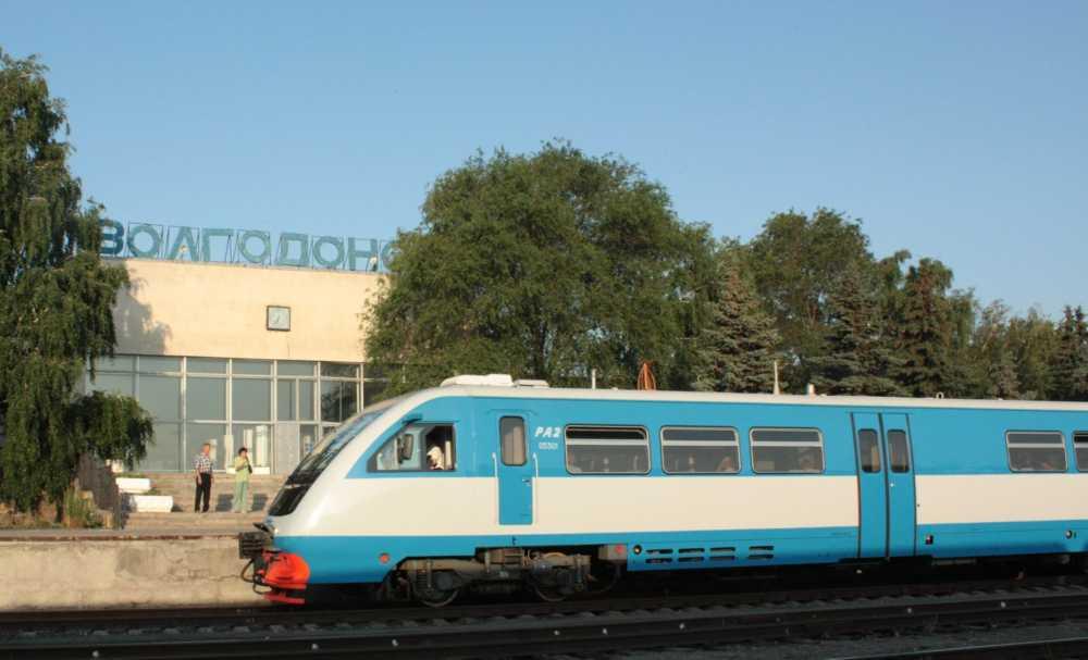 Пригородный поезд Ростов-Волгодонск РА2