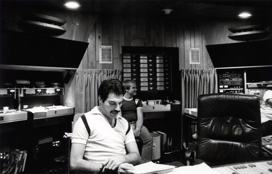 Фредди Меркури в Mountain Studios
