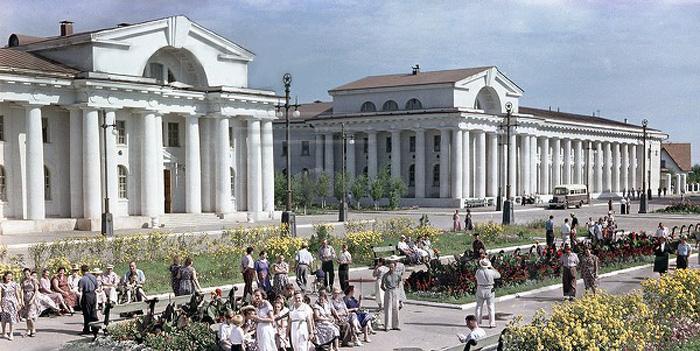 Площадь победы. Цимлянск. 1952 год.